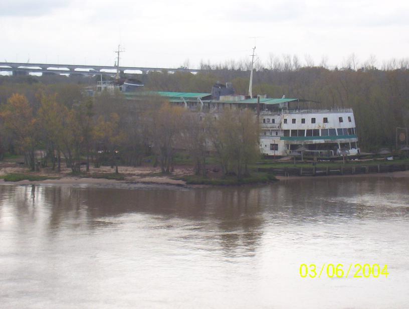 Barcos encallados y abandonados