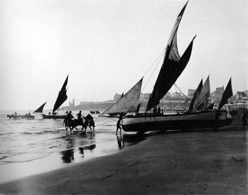 Pesqueros Saliendo A Trabajar Circa 1900