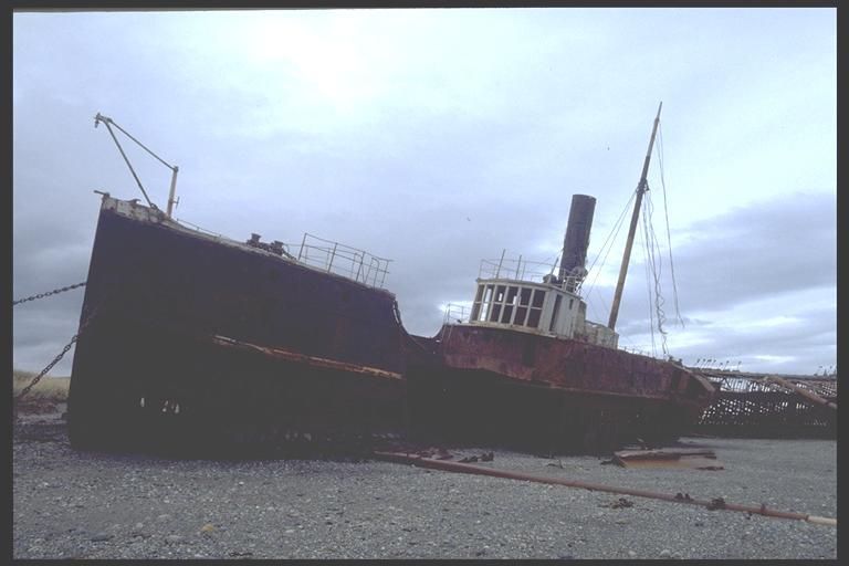 Barcos abandonados en Argentina.!