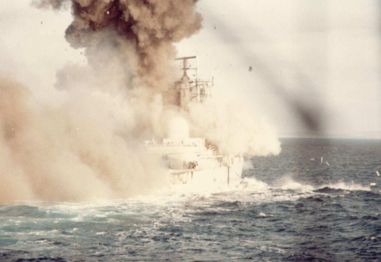 La guerra de las Malvinas 07-CoventryExpl-lg